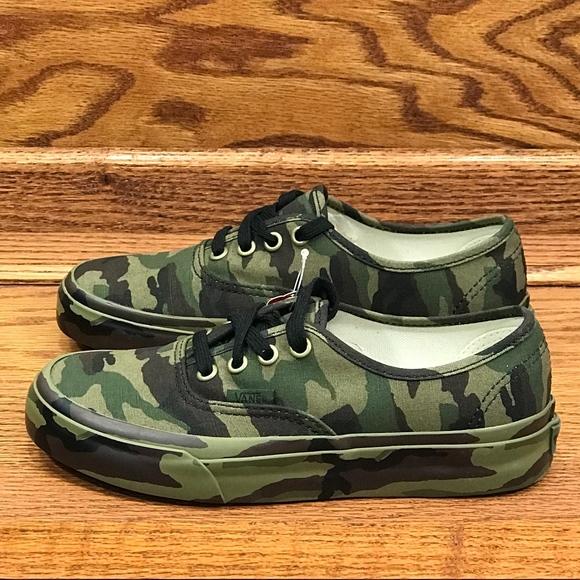 9a1eef6d26 Vans Authentic Mono Print Classic Camo Shoes